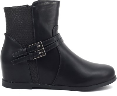 Shuberry Boots(Black) at flipkart