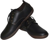 Strive Classic Casual Shoes (Black)
