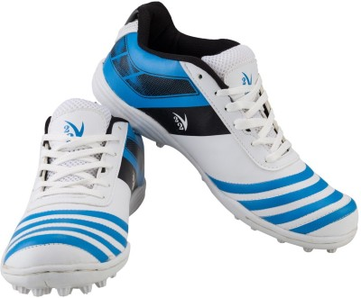 V22 Trax Cricket Shoes
