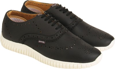 Quarks Casuals(Black)