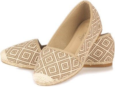 Vero Couture Crafted Beige Casuals