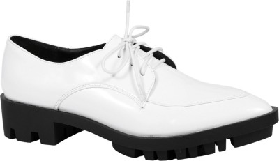 Truffle Collection Fhara4 White Casual Shoes