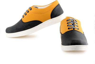 World Of Fashion Sneakers