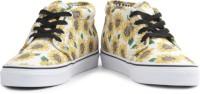 VANS Men Sneakers(Beige, Yellow)