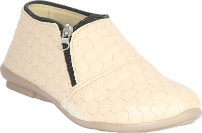 Zachho Cool and Trendy HC233-Cream Casuals