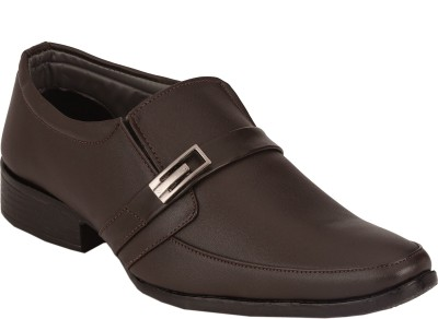 TROY Slip On