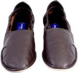Foot Looks Sneakers (Brown)