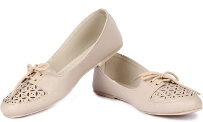 Cute Feet Smart Beige Color Cutwork Casual Shoes Bellies