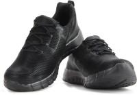 Reebok REEBOK ZPUMP FUSION PU Men Running Shoes(Black)
