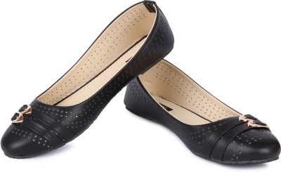 Cute Feet Stylish Black Color Bellies For All Ocassion Bellies