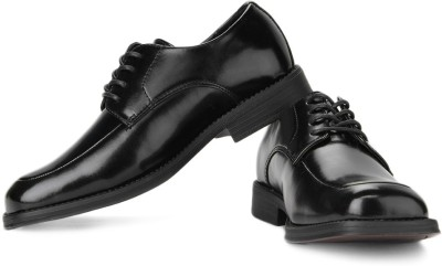 Kenneth Cole Lace Up Shoes