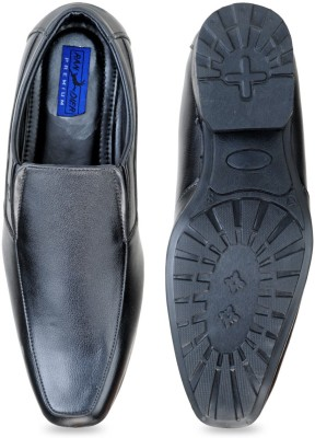 Randier Slip On Shoes