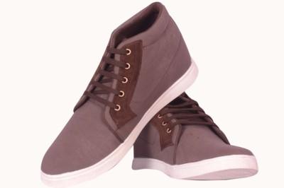 R V International Canvas Shoes