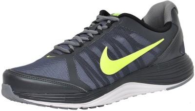 Nike REVOLVE 2 Running Shoes