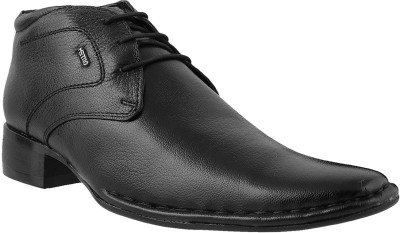 Metro Classic Lace Up Shoes