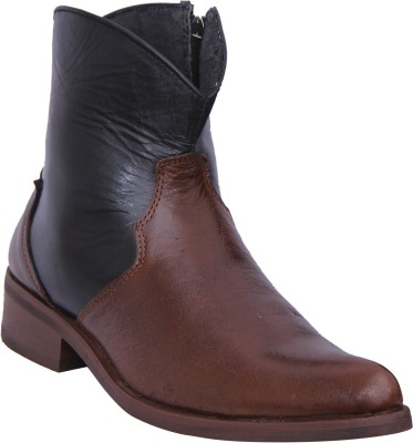 Walkaway Tan and Black color Boots