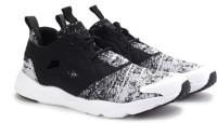 Reebok FURYLITE JF Men Sneakers(Black, White)