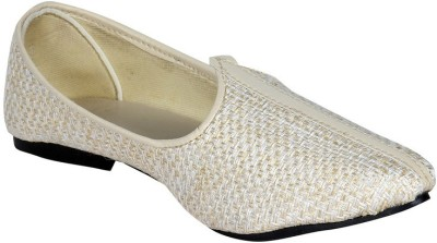Panahi Cream Hcrafted Slip On Mojaris Casuals, Party Wear