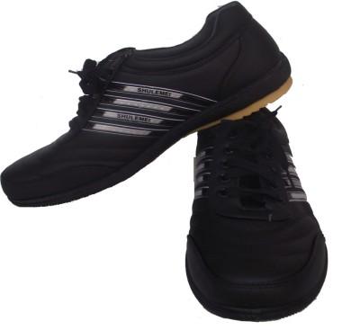 StyleToss Black Casuals