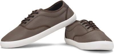 Globalite Stellar Men Sneakers(White, Brown)