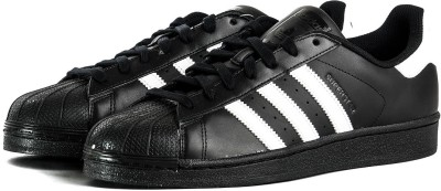 Adidas Originals SUPERSTAR FOUNDATION Sneakers(Black, White) at flipkart