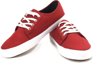 VANS Men Sneakers(Maroon)