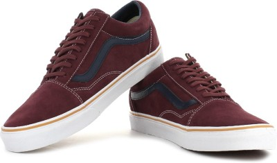VANS Old Skool Men Sneakers(Maroon)