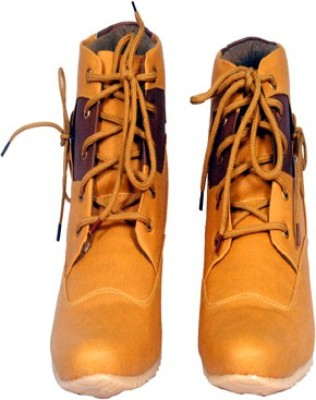 FlapDwings Boots