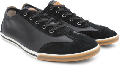 Clarks Mego Race Black Leather Sneakers