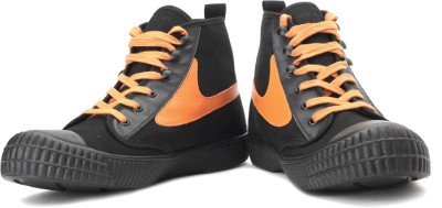 Diesel Draags94 Men Sneakers(Orange, Black)