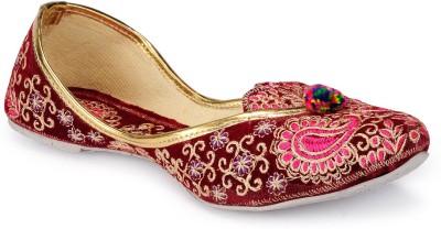 Meena Creations Trendy Jutis