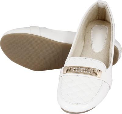 Walk Footwear L-121 White Bellies