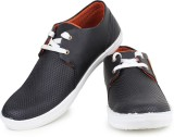 Inure Lace Up (Black)