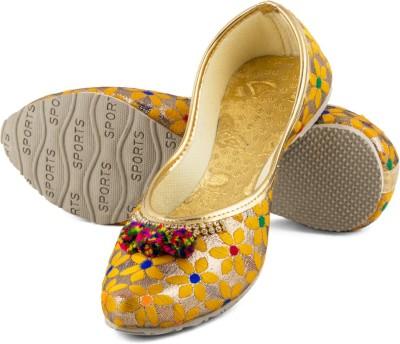 TASHI Yellow Punjabi Jutti Jutis