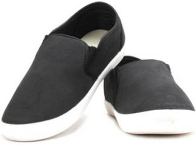 A Cheval Casuals