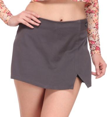 Nineteen Solid Women's Grey Basic Shorts