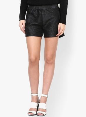 Vero Moda Solid Women's Black Basic Shorts
