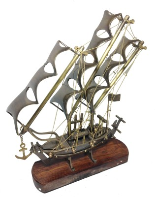Prop It Up Pirate Ship Showpiece  -  40 cm