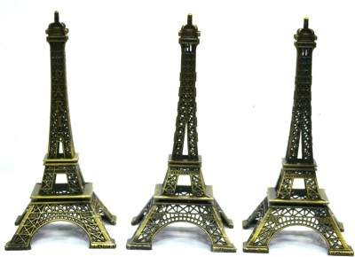 Jaycoknit Elegante Eiffel tower set of 3 Showpiece  -  13 cm