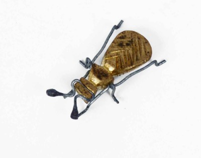 KHUSHI HANDICRAFTS GOLDEN HOUSE FLY Showpiece  -  0.5 cm
