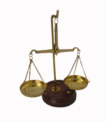 Homedesires Weighting Scale Showpiece  -  2 cm(Brass, Gold)
