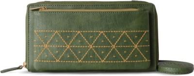 Baggit Women Green  Clutch