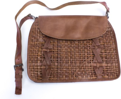 Ess Tee Women, Girls Formal, Casual Brown Genuine Leather Sling Bag
