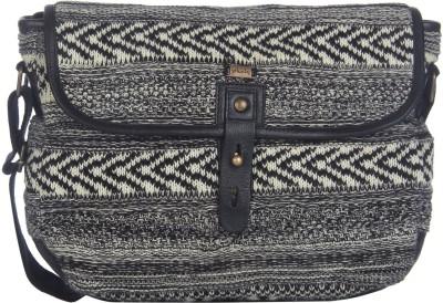 Pluchi Women Black Cotton Sling Bag
