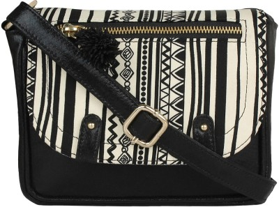 Berrypeckers Women Black PU Sling Bag