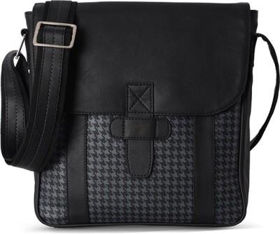 Baggit Women Black Sling Bag