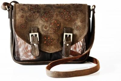 Dhruva Women Casual Brown Genuine Leather, Nylon Sling Bag