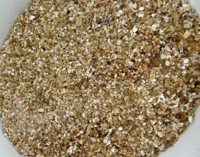 Smart Grow Vermiculite Garden and Potting Media Horticulture Grade (500g X 2) Soil Manure