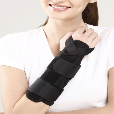 Tynor Forearm Splint Universal Wrist Support (Free Size, Black)