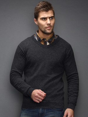 HRX by Hrithik Roshan Solid V-neck Casual Men's Grey Sweater